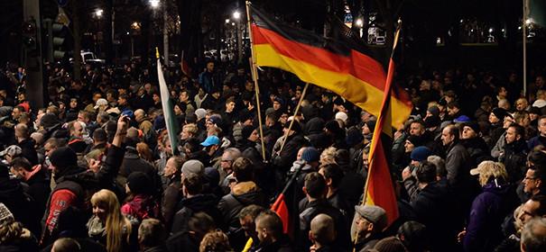 Symbolbild: Rechtsextremistische Kundgebungen © by Caruso Pinguin auf flickr.com (CC BY 2.0)
