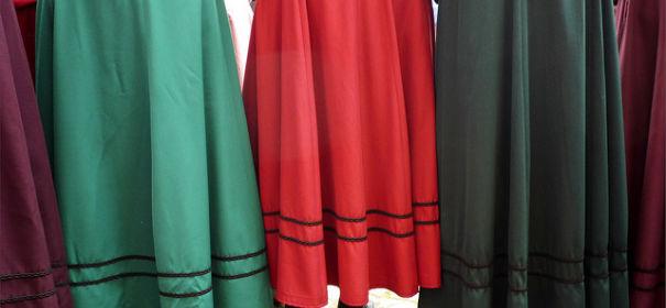 Röcke © by Oxfordian auf Flickr (CC BY-SA 2.0), bearbeitet islamiQ