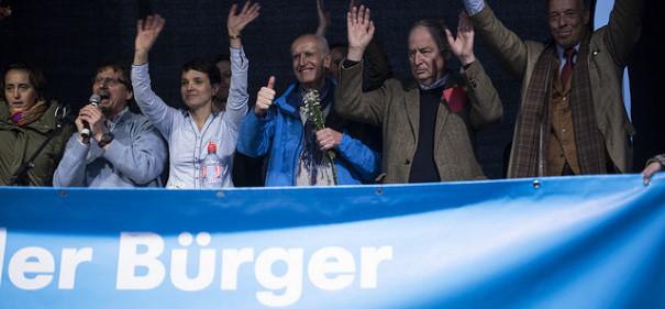 Führende Politiker der AfD. © James Rea auf flickr, bearbeitet by IslamiQ.