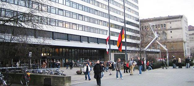 Technische Universität Berlin © mlaiacker auf flickr, bearbeitet by IslamiQ.