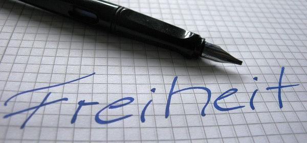 Wie sieht es aus mit Religionsfreiheit in Deutschland? ©metropolico.org auf flickr, bearbeitet by IslamiQ.