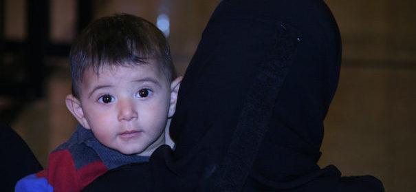 Rechtsextreme wollen die Vormundschaft für minderjährige Flüchtlinge übernehmen. © flickr, Caritas Schweiz