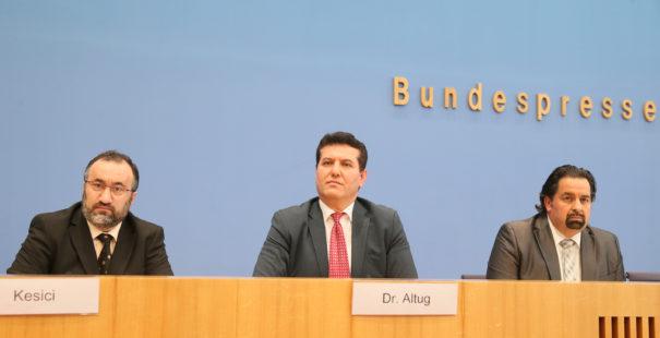 Der KRM - Vorstand: Burhan Kesici, Zekeriya Altug und Aiman Mazyek. (v.l.n.r.)