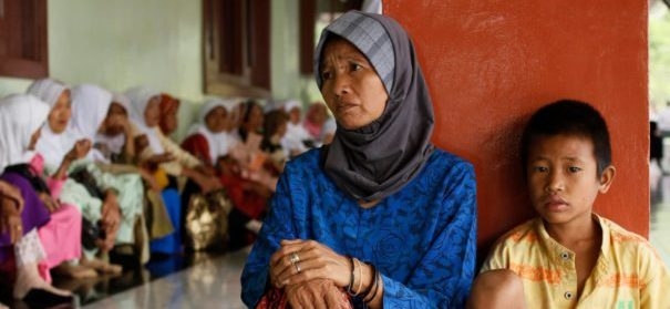 Gewalt gegen Uiguren in China (c)facebook, bearbeitet by islamiQ