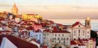 Lisbon old town (c)Shutterstock, bearbeitet by iQ