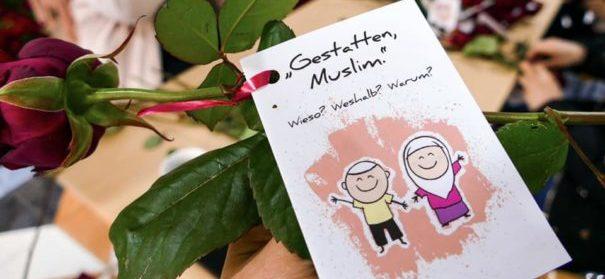 """Begegnungsaktion: """"Gestatten, Muslim."""" 2019 (c)facebook, bearbeitet by iQ"""