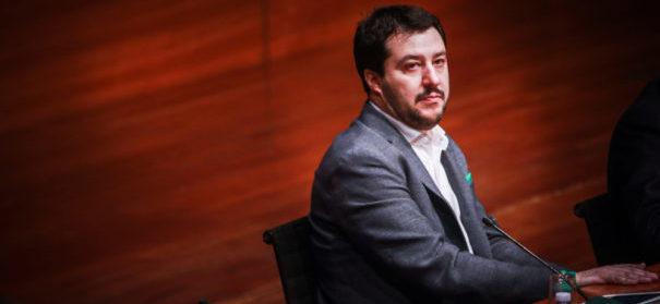 Italiens Innenminister Matteo Salvini (c)shutterstock, bearbeitet by iQ