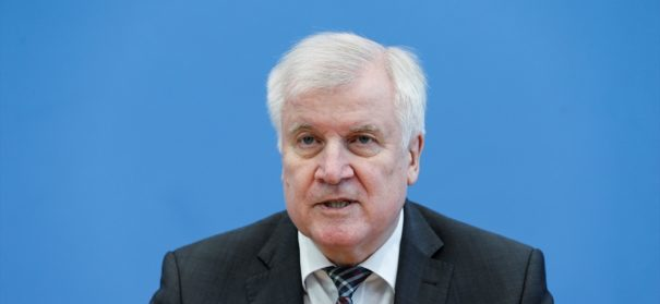 Horst Seehofer © AA, bearbeitet by iQ.