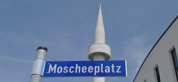 Moscheeplatz in Aachen © Facebook, bearbeitet by iQ.