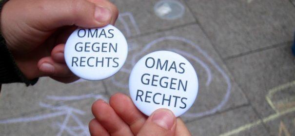 """""""Omas gegen rechts"""" (c)facebook, bearbeitet by iQ"""