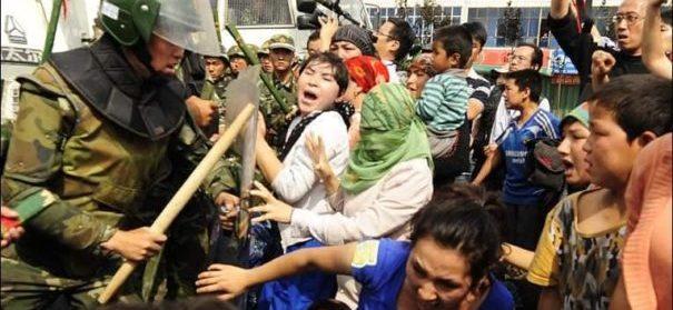 Gewalt gegen Uiguren (c)facebook, bearbeitet by iQ
