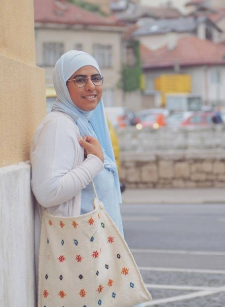 Die Autorin Asma Aiad schreibt über ihre Begegnungen am Wiener Hauptbahnhof. © MJÖ