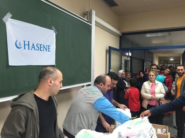 HASENE verteilt Lebensmittel an Flüchtlinge