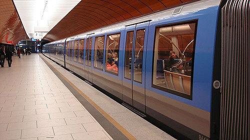 Symbolbild: U-Bahn - © by Kaffeeeinstein auf flickr, bearbeitet by IslamiQ.