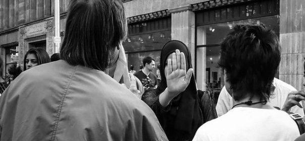 Symbolbild: Kopftuch, Muslimin© (Never Edit/CC 2.0/ flickr)