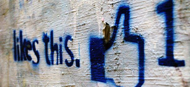 Mann wegen Hasskommentar auf Facebook verurteilt © Ksayer1 auf flickr, bearbeitet by IslamiQ.