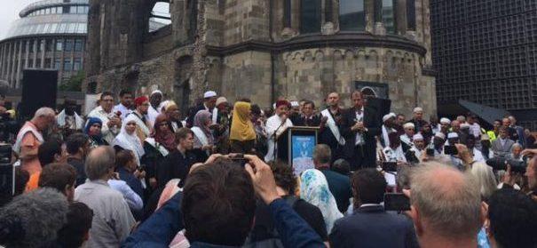 Marsch der Muslime gegen Terrorismus