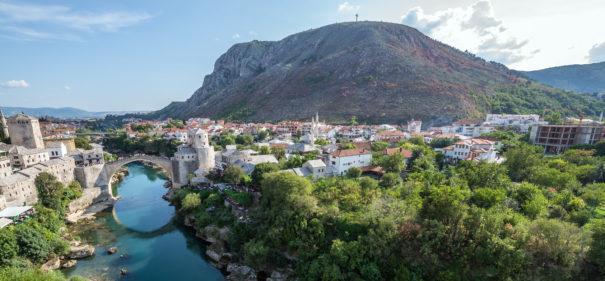Mostar in Bosnien. Ein Land in Europa mit mehrheitlich muslimischen Bewohnern. © shutterstock