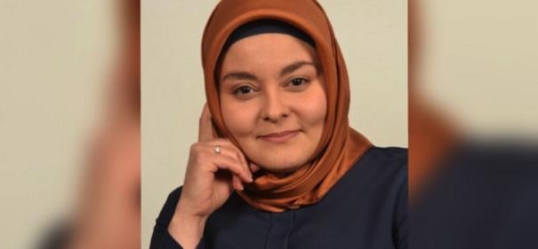Fatma Aydınlı © privat, bearbeitet by IslamiQ.