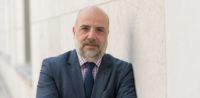 """Dr. Markus Kerber -""""Religion muss der Politik zugänglich sein"""" © BMI, bearbeitet by IslamiQ"""