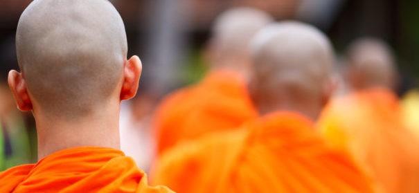 Symbolbild: Buddhisten (c)shutterstock, bearbeitet by iQ