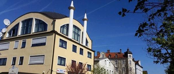 Bombendrohungen auf Moscheen
