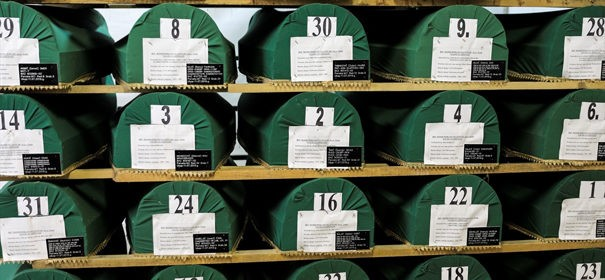 Symbolbild: Srebrenica © AA, bearbeitet by iQ.