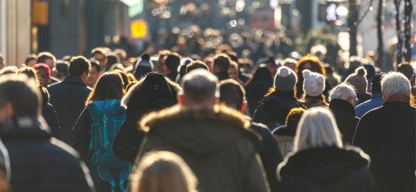 Symbolbild: Bevölkerung gegen Kopftuchverbot