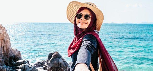 Symbolbild: Halal-Tourismus © Shutterstock, bearbeitet by iQ.