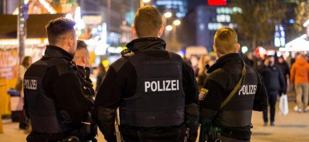 Symbolbild: Polizei, Polizeibeamten