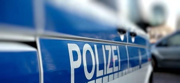 Symbolbild - Polizei © Shutterstock, bearbeitet by iQ