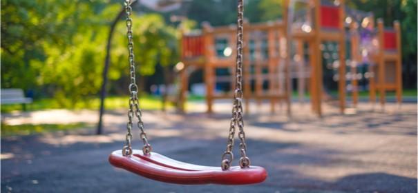 Symbolbild: Spielplatz in Dresden © shutterstock, bearbeitet by iQ.