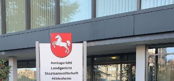 Hildesheim: 22-Jähriger soll Anschlag vorbereitet haben © Facebook, bearbeitet by iQ