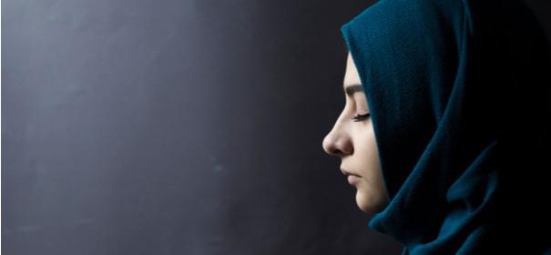 Forscherin: Musliminnen häufig wegen Kopftuch beschimpft © Shutterstock, bearbeitet by iQ