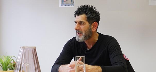 Çetin Gültekin, Bruder von Gökhan, spricht über den Anschlag in Hanau