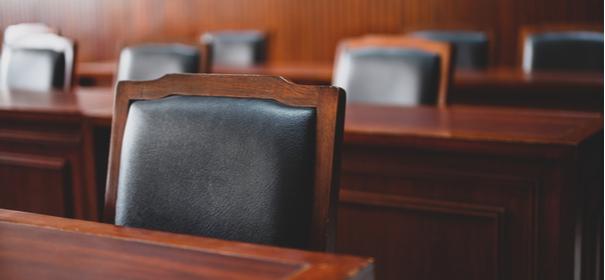Rassistische Chats - Polizeibeamter vor Gericht
