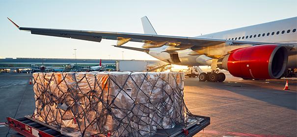 Symbolbild: Lufttransport Logisti