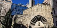 Muslime zu Iftar in der Kirche Santa Anna in Barcelona