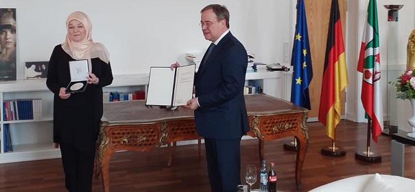 Erika Theißen mit Mevlüde-Genç-Medaille ausgezeichnet