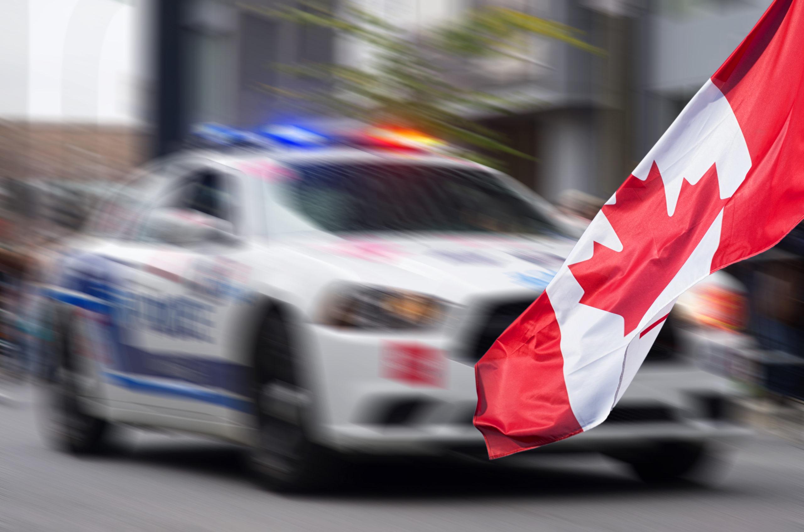 Rechtsextreme Auto-Attacke in Kanada: Vier Muslime tot (c)shutterstock, bearbeitet by iQ