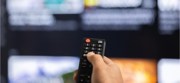 Diversität im Fernsehen © Shutterstock, bearbeitet by iQ.